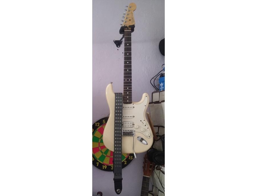 Fender Stratocaster Standart