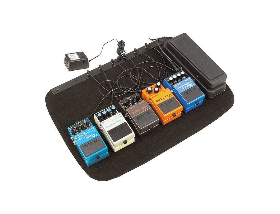 Musician's Gear Powered Pedalboard And Gig Bag