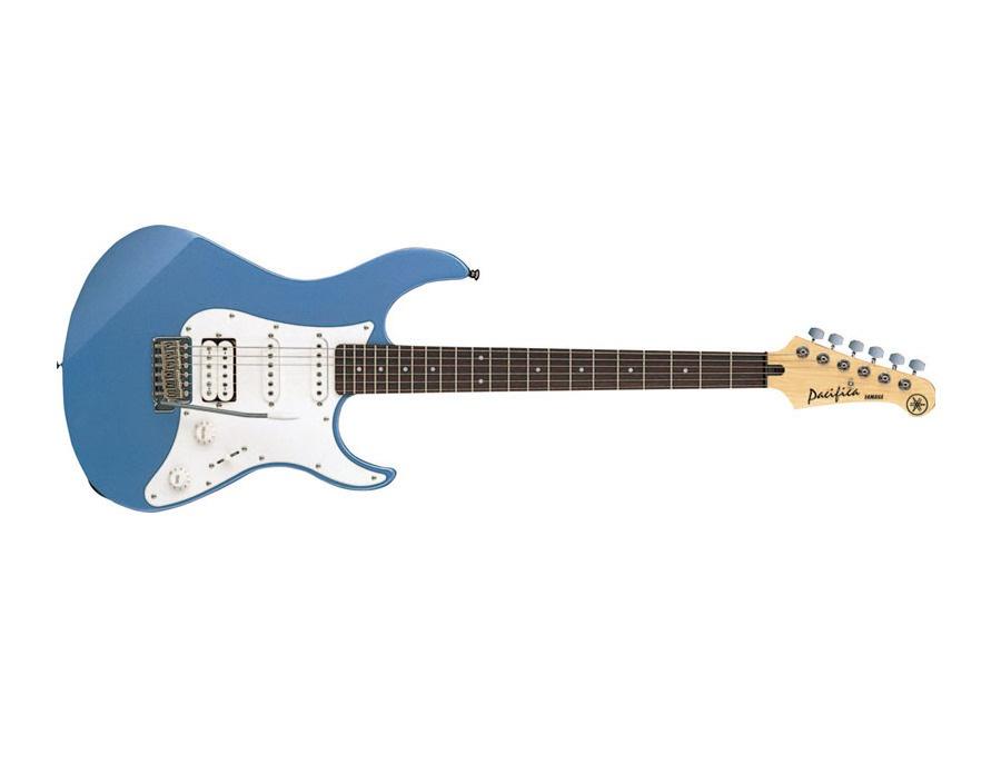 Yamaha Pacifica  112 J lake placid blue