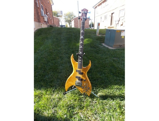B.C. Rich Bich bass