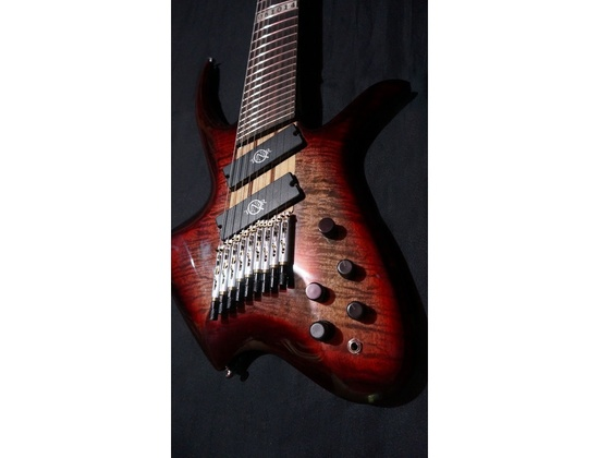 Stranough guitar equiped with Q-tuner q2.0 pickups