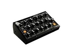 Moog minitaur analog bass synthesizer s
