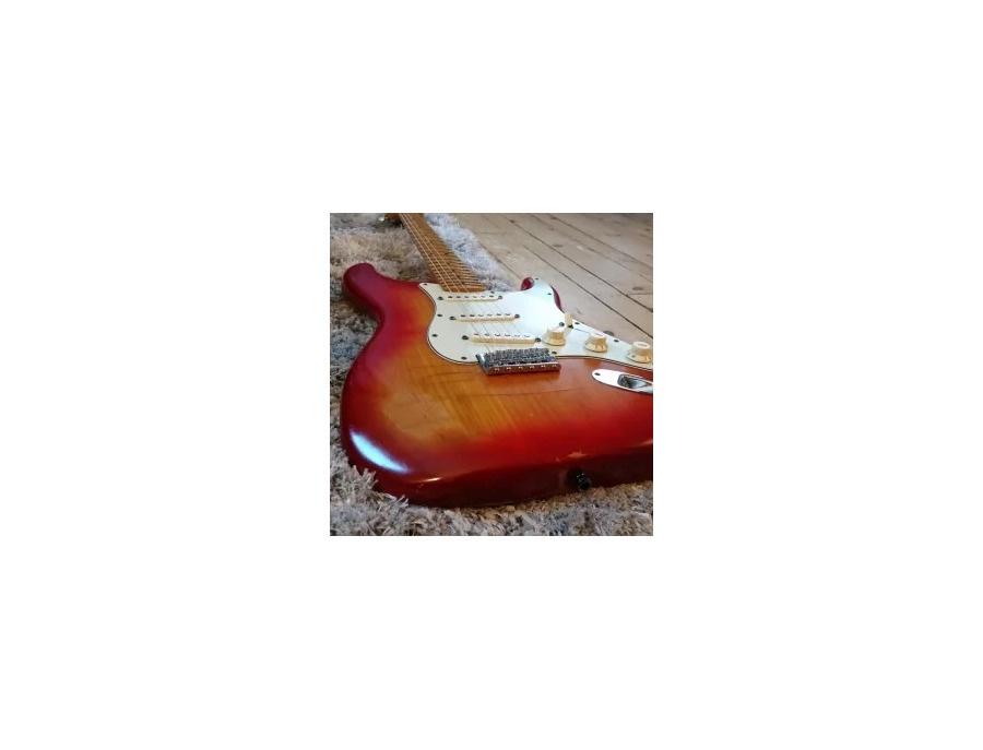 Fender stratocaster 1982 sienna burst