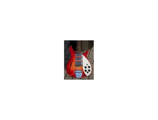 1964 John Lennon Rickenbacker 325
