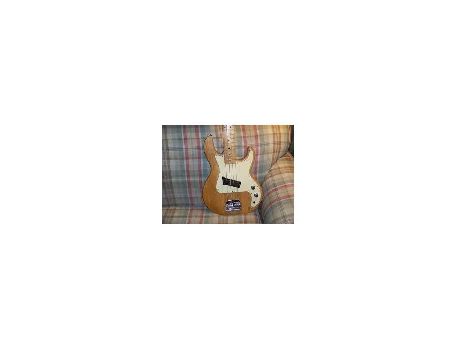 Peavey T-20 Bass Guitar