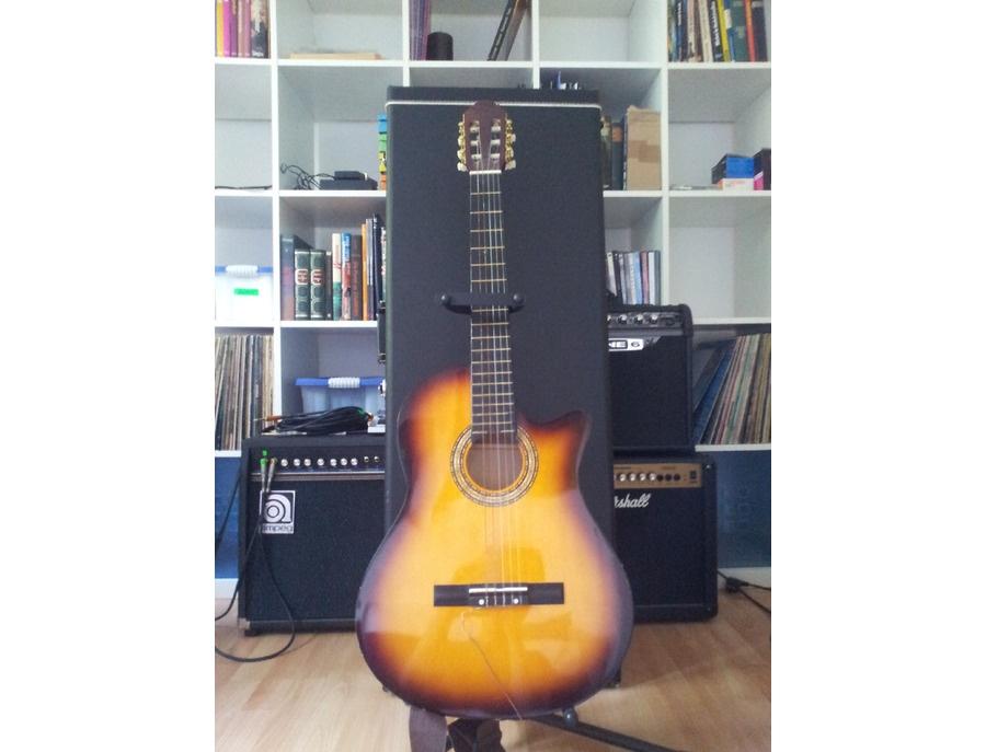 Classical guitar with nylon strings (sunburst)