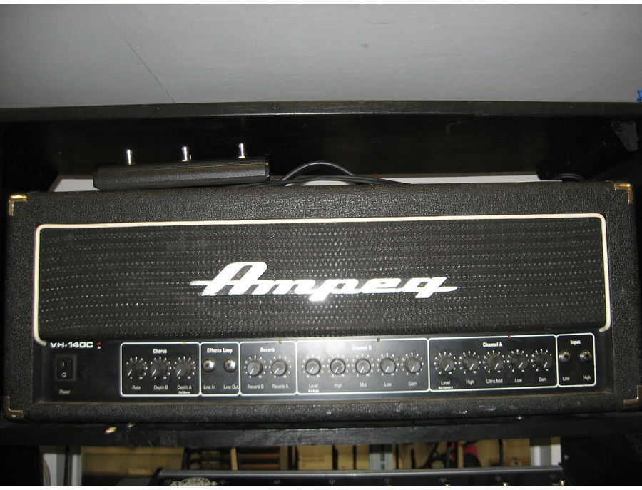 Ampeg VH-140C Reviews & Prices | Equipboard®
