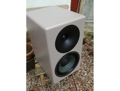 Sternberg-audio-speakers-s