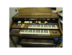 Hammond-organ-model-126-s