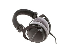 Beyerdynamic-dt-770-pro-250-closed-studio-headphones-s