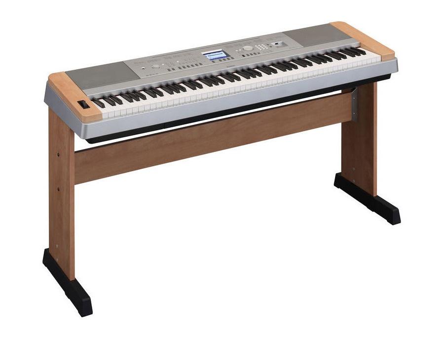 Yamaha DGX-640 C