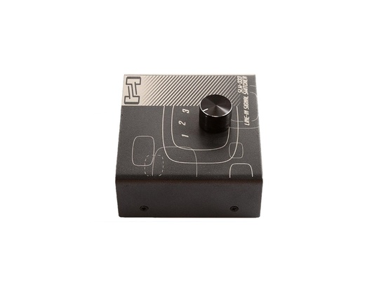 Hosa SLW-333 Monitor Switcher
