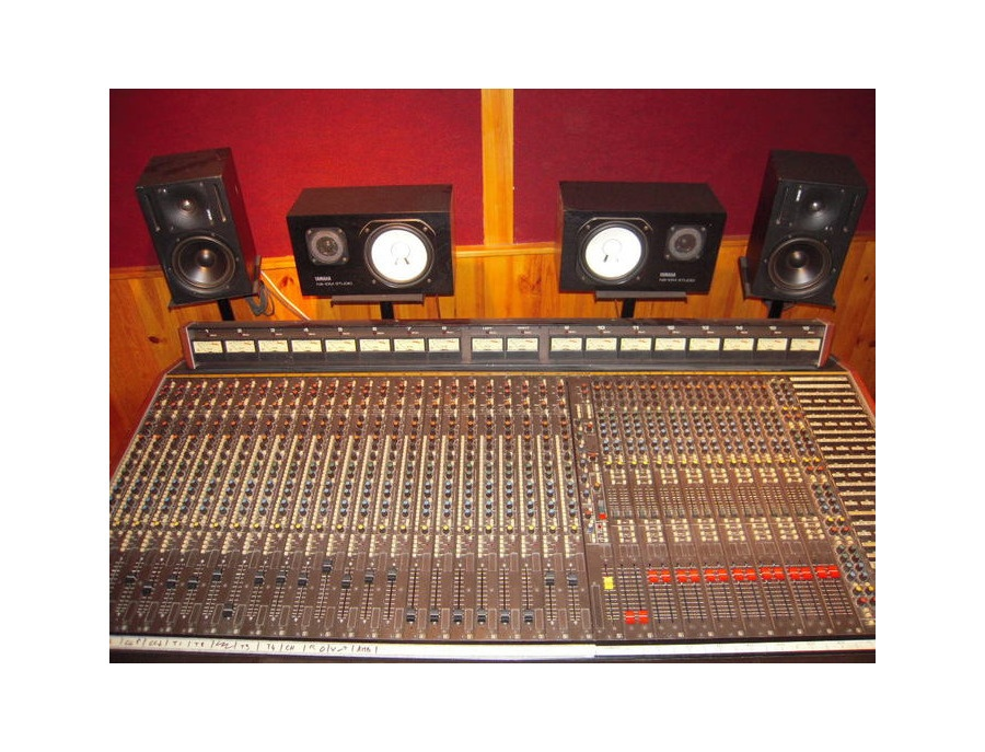 Soundcraft 2400 xl