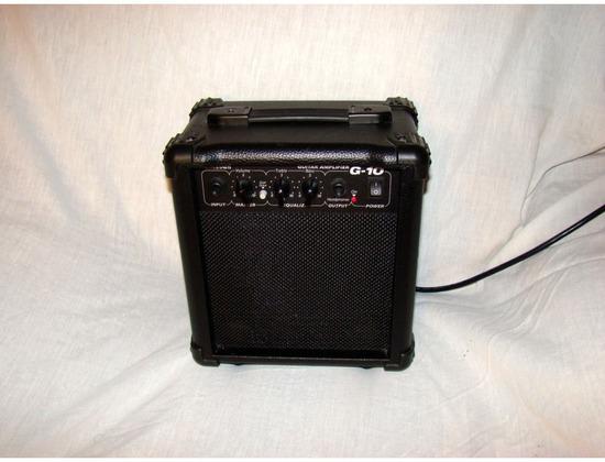 Esteban G-10 12 Watt Guitar Amp
