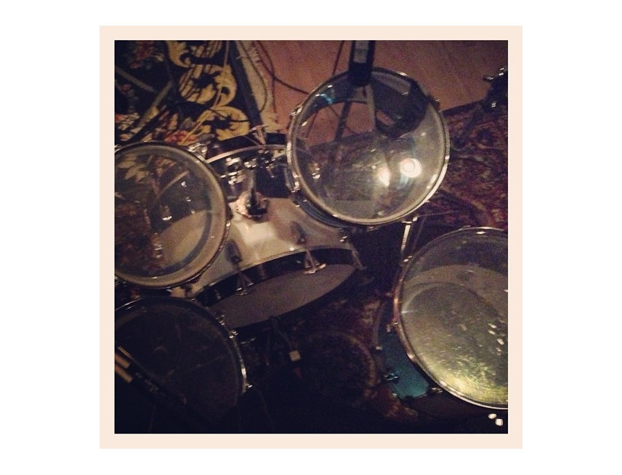 1976 Ludwig Cream Vistalite Drum Kit