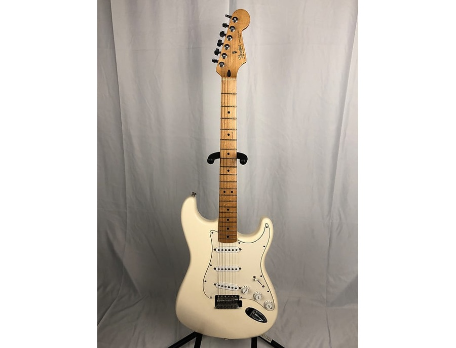 Fender stratocaster mim 1999 white xl