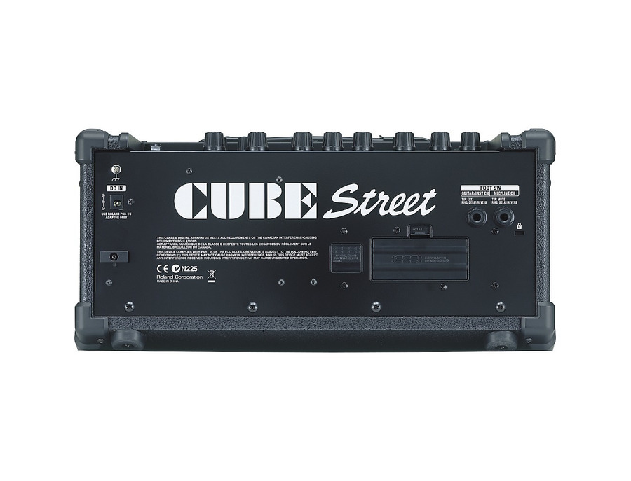 Roland cube street battery powered stereo guitar combo amp 02 xl