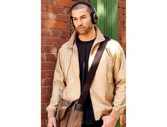 Sennheiser momentum headphones 02 s