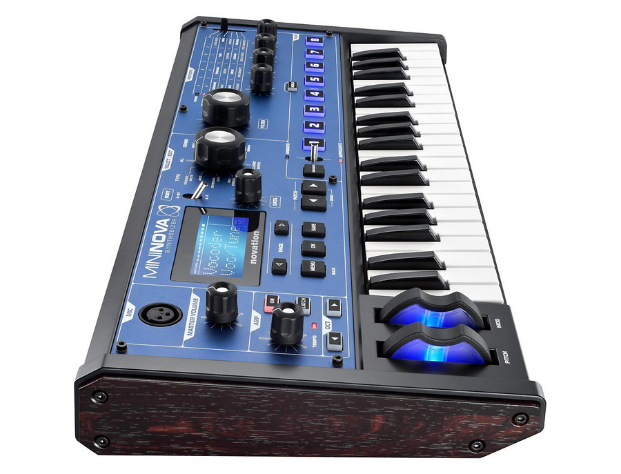 Novation mininova 02 xl