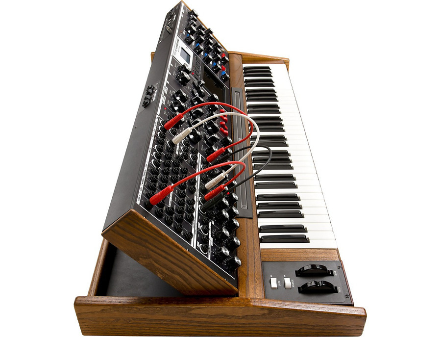 Moog minimoog voyager xl synthesizer 01 xl