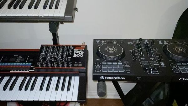 Eyedress's Pioneer DJ DDJ-400