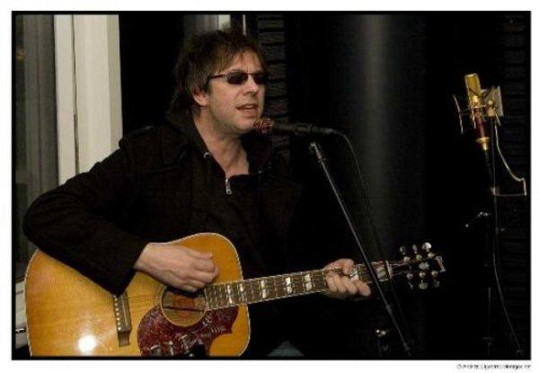 Ian McCulloch's Gibson Hummingbird