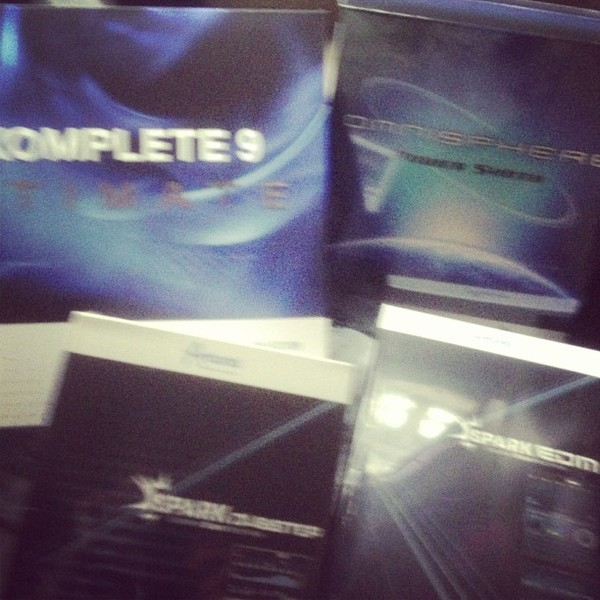 Hard Rock Sofa's Native Instruments KOMPLETE 9 Software Bundle
