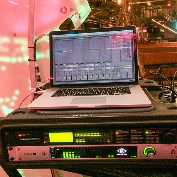 Shpongle(Simon Posford)'s Universal Audio Apollo 16