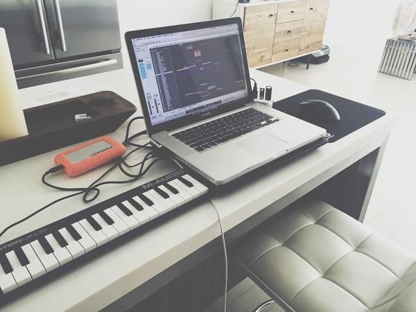 Audien's M-Audio Keystation Mini 32 Ultra-Portable USB MIDI Keyboard Controller
