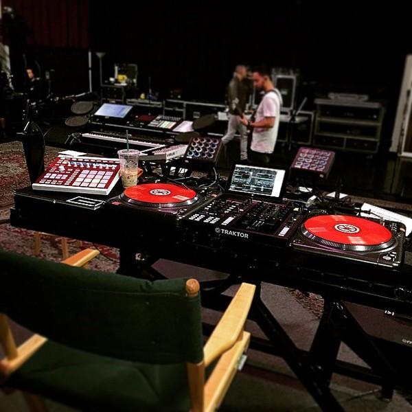 Joe Hahn's Native Instruments Maschine MKII