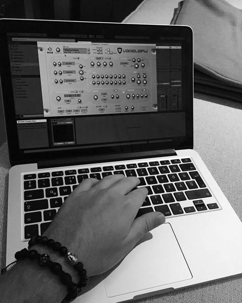 Stadiumx's reFX Vanguard Analog Synthesizer