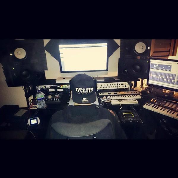 Trolley Snatcha's KORG microKORG XL Music Synthesizer