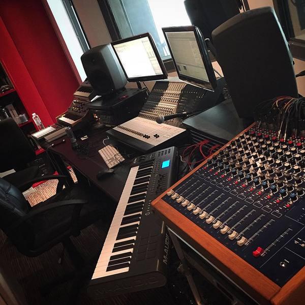 GLOWINTHEDARK's Genelec 8040A Studio Monitor Speaker