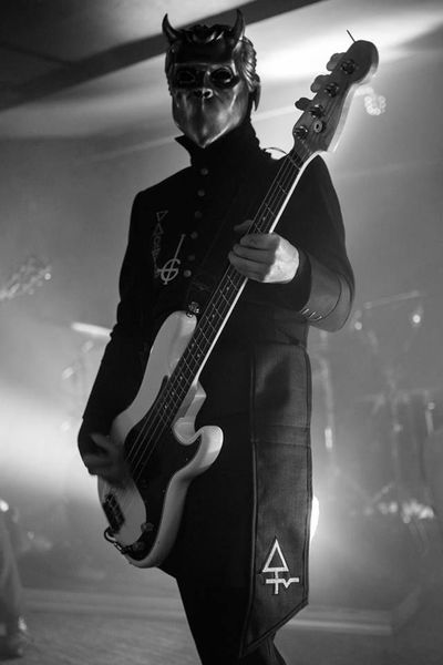 Nameless Ghoul S Fender American Special Precision Bass