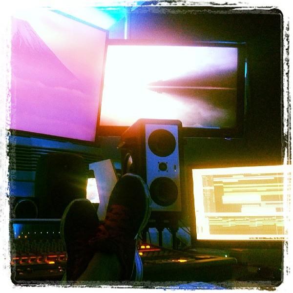 Chuckie's Barefoot Sound MicroMain 27 Studio Monitor
