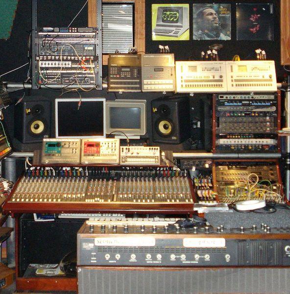 Shawn Rudiman's's Roland TR-707 Rhythm Composer