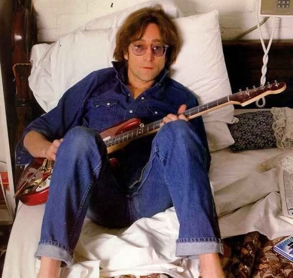 big_lennon-with-red-strat-1974.jpg