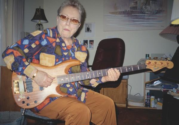 Carol Kaye's Fender Zone Bass