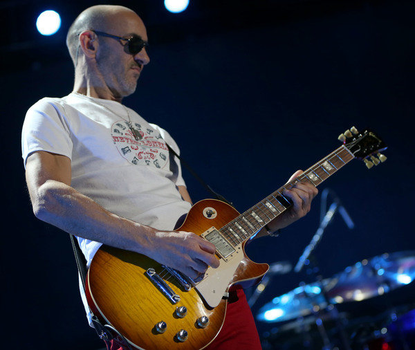 Simon Townshend's Gibson Les Paul Traditional Electric Guitar