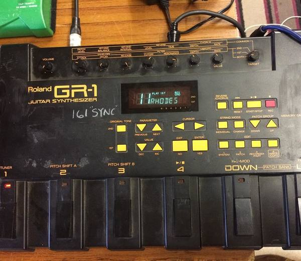 Underworld's Roland GR-1 Guitar Synthesizer