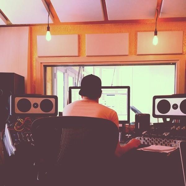 Dan Reynolds's Barefoot Sound MicroMain27 Gen2