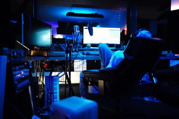 Cro's Korg MicroKORG Synthesizer/Vocoder