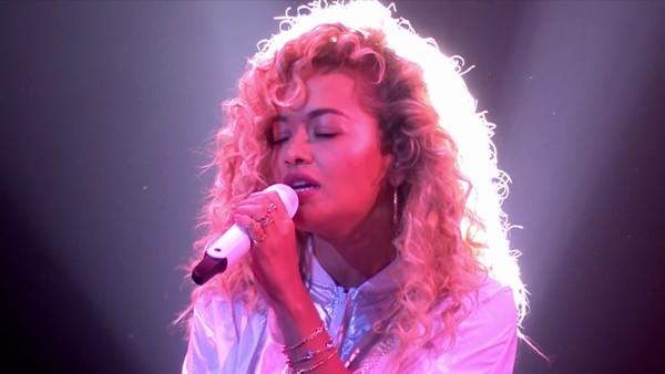 Rita Ora's Sennheiser SKM 9000