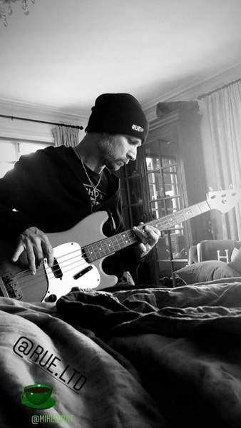 Mike Dirnt's Fender Musicmaster Bass