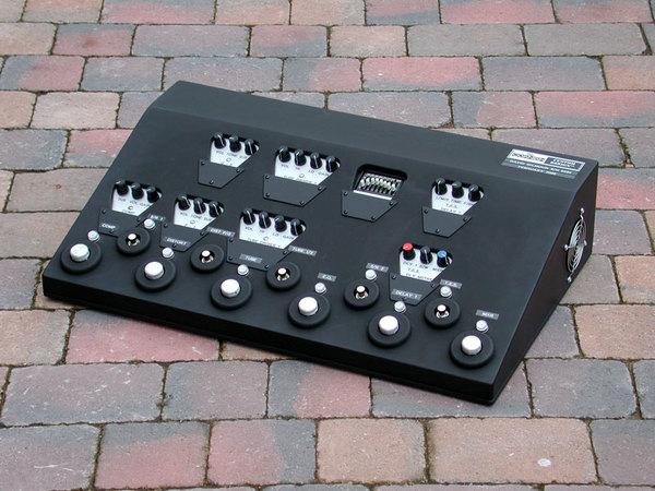 David Gilmour's Pete Cornish All Tube Effects Board