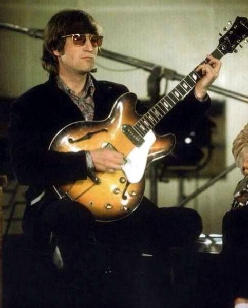 John Lennon S Epiphone Casino Equipboard