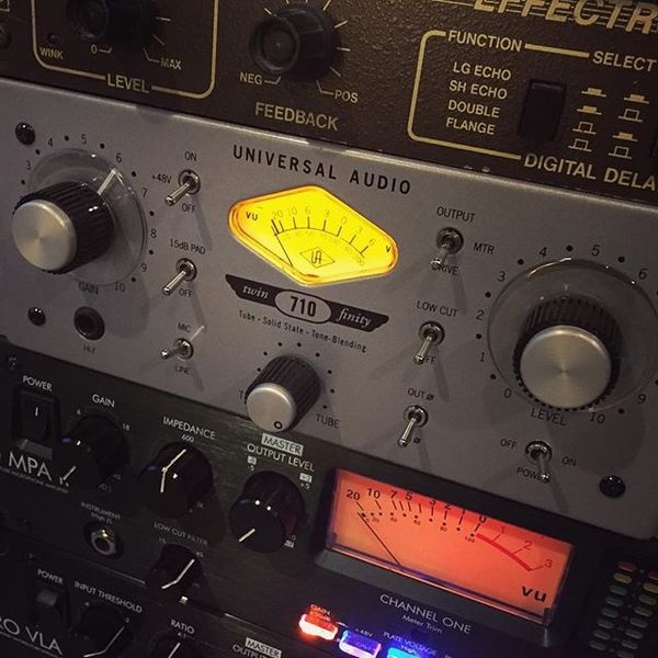 Josh Benton's Universal Audio 710 Twin-Finity Microphone Preamp