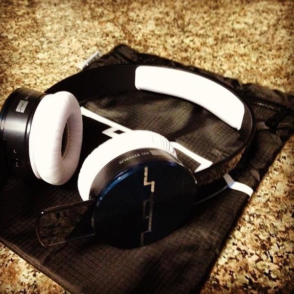 f9c90e965aa JAUZ's SOL Republic Tracks Ultra On-Ear Headphones V12 | Equipboard®