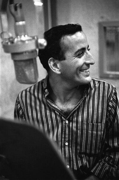 Tony Bennett's Neumann M 49